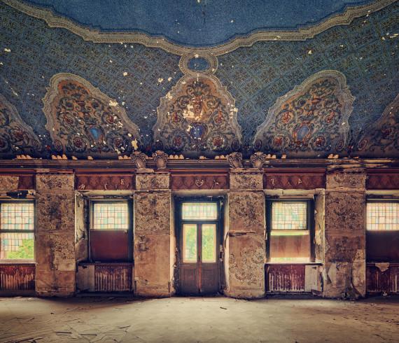 Opuszczony palac sala balowa